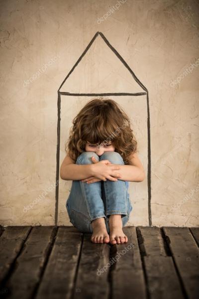 depositphotos_44986173-stock-photo-sad-homeless-child-siiting-on